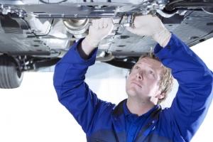 «وزارة الاقتصاد الإماراتية»: إلغاء شرط الصيانة الإجبارية للمركبات في الوكالات