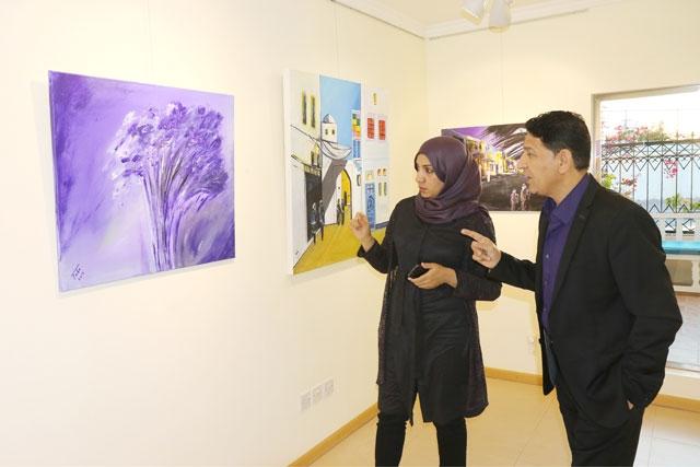 محمد طه: سأركز على التعبيرية التجريدية مستقبلاً - تصوير : محمد المخرق