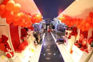 العطور... الهدية الأكثر طلباً لدى البحرينيين  في عيد الحب... والإقبال عليه ليس حكراً على العاشقين