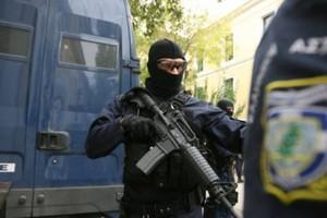 توقيف 3 بريطانيين مسلحين في اليونان على الحدود التركية