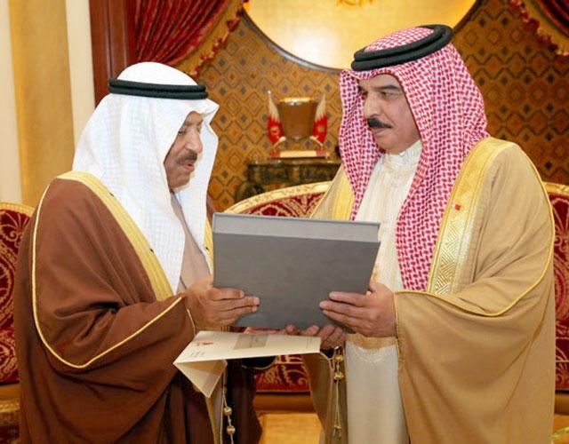العاهل يتسلم رد مجلس الشورى على الخطاب الملكي السامي لجلالته
