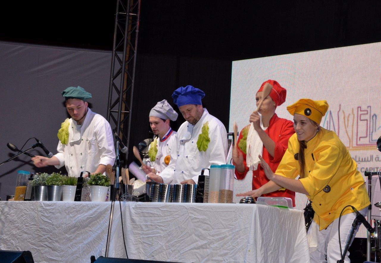مهرجان البحرين الدولي الاول للطعام في العدلية