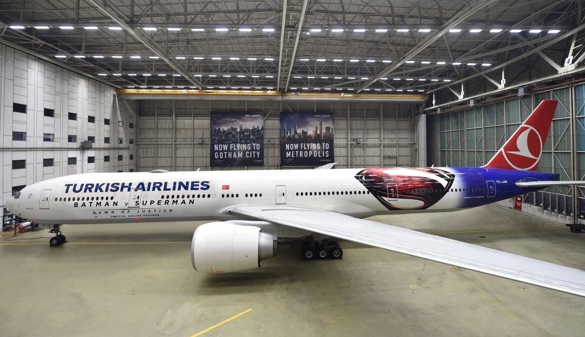 المشاهد الأساسية في الفيلم على متن الطائرة التركية طراز