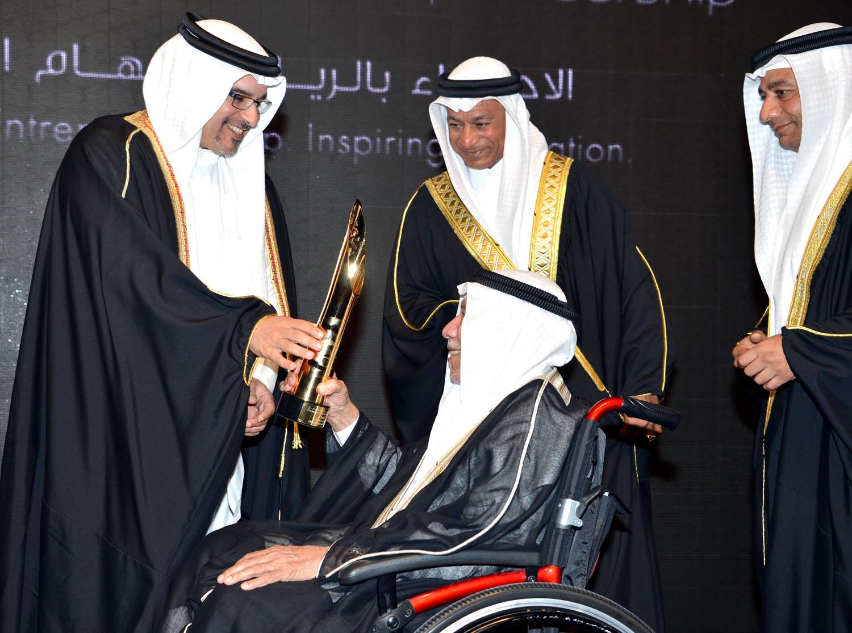 الحاج أحمد منصور العالي – لفئة إنجازات العمر