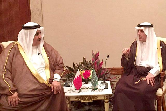 وزير الخارجية مجتمعاً مع نظيره السعودي - بنا
