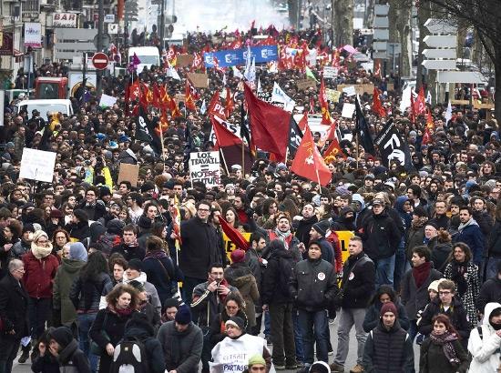 مظاهرة في ليون الفرنسية ضد تعديل قانون العمل -afp