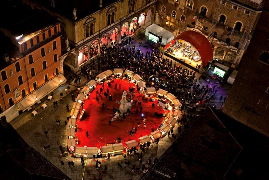 احتفلات عيد الحب ايضا تقام في البندقية