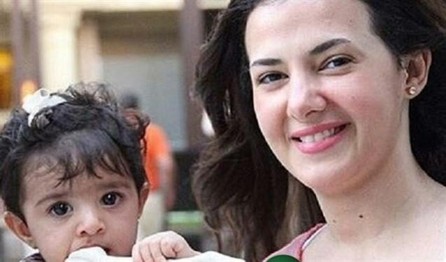 دنيا سمير غانم مع ابنتها كالي