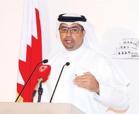وزير شئون الإعلام السابق<br />عيسى عبدالرحمن الحمادي
