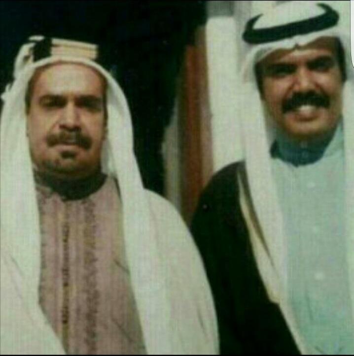 المرحوم خليفة بن سلمان مع والده