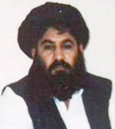 زعيم طالبان الملا اختر الذي قُتل في غارة أميركية