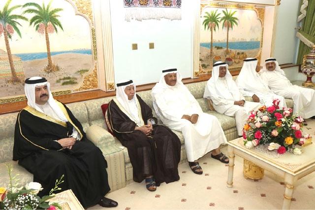 في مجلس الحاج أحمد منصور العالي: البحرين تتشرف برجال ...