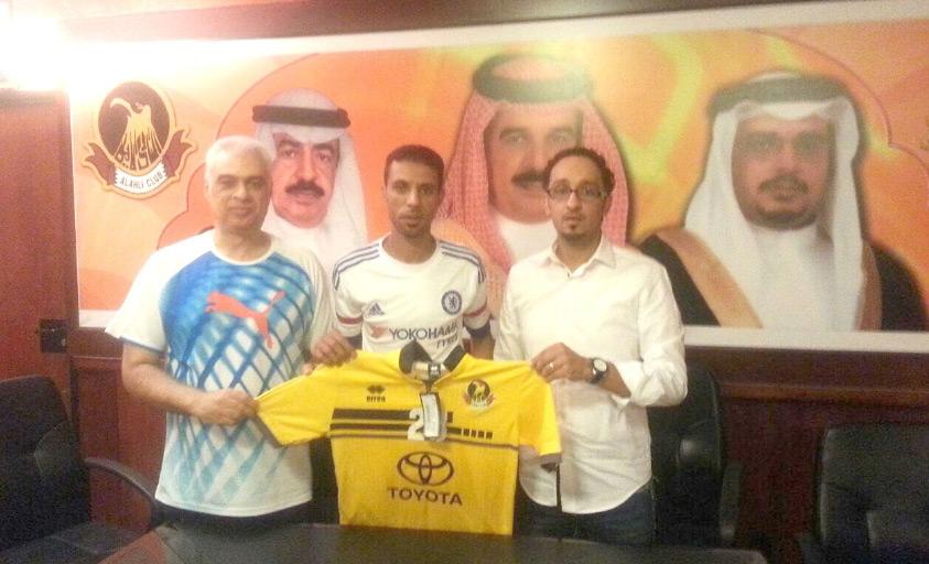 نضال إسماعيل يرفع القميص الأصفر بجوار بوخمسين والحلواجي