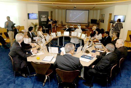 المعهد الدولي للسلام أتخذ من البحرين مقراً له لحل النزاعات بين الدول (ارشيفية)