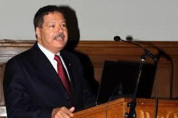 أحمد زويل (مصر) نوبل في الكيمياء عام 1999