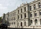 وزير الخارجية البريطاني بوريس جونسون يعرب عن قلقه لحل جمعية الوفاق الوطني في البحرين