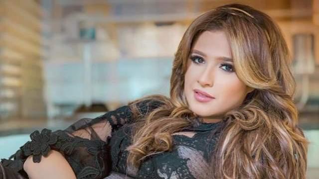 الفنانة ياسمين عبدالعزيز
