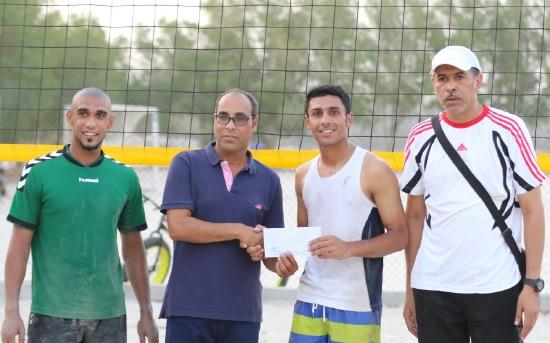 تتويج الفريق الفائز بالبطولة - تصوير أحمد آل حيدر