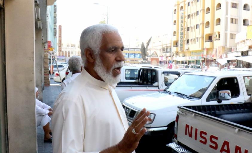 سائق «التاكسي» علي المعلم غاضباً: نطالب بزيارات تفتيش صارمة