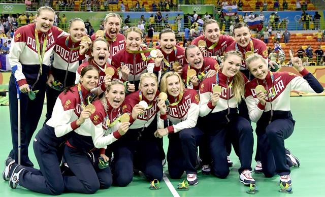 سيدات روسيا يحتفلن بذهبية كرة اليد