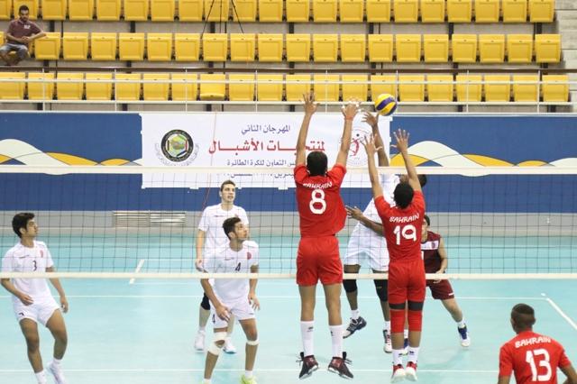 من لقاء قطر ومنتخبنا يوم أمس - تصوير: محمد المخرق