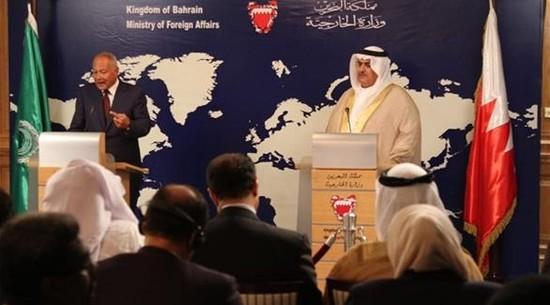 وزير الخارجية البحريني<br />والأمين العام لجامعة الدول<br />العربية (أرشيف)