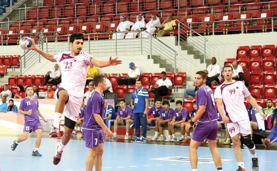 من لقاء قطر وأوزبكستان