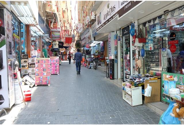 سوق المنامة يفقد زخمه الذي اكتسبه لعشرات السنين بسبب عدم وجود المواقف والمرافق الخدمية