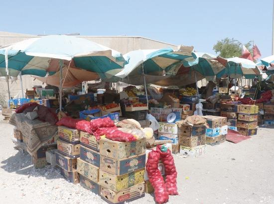 باعة مدينة عيسى يأملون في إنشاء سوق مركزي يحتضنهم