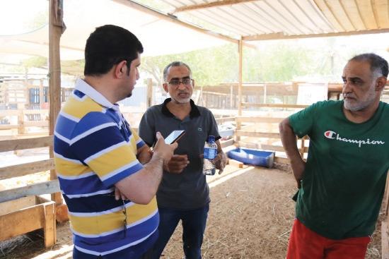 أحمد القصاب وغازي المحروس يتحدثان لـ «الوسط» - تصوير أحمد آل حيدر