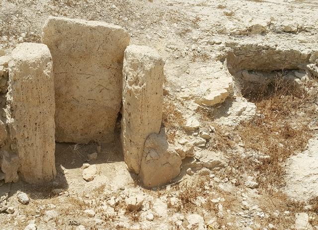 أهم المواقع الأثرية بلا إرشاد ولا تعريف
