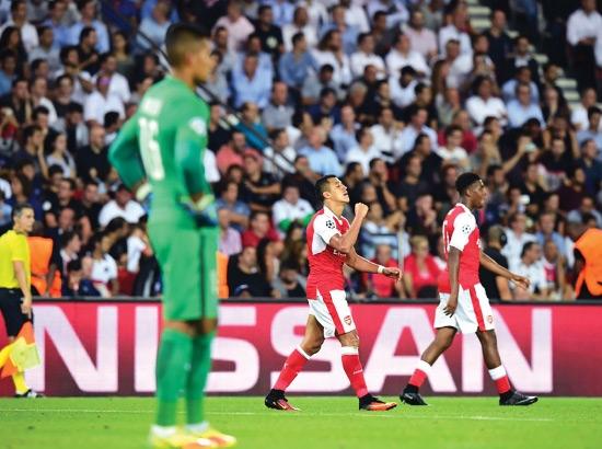 سانشيز سجل هدف التعديل لأرسنال