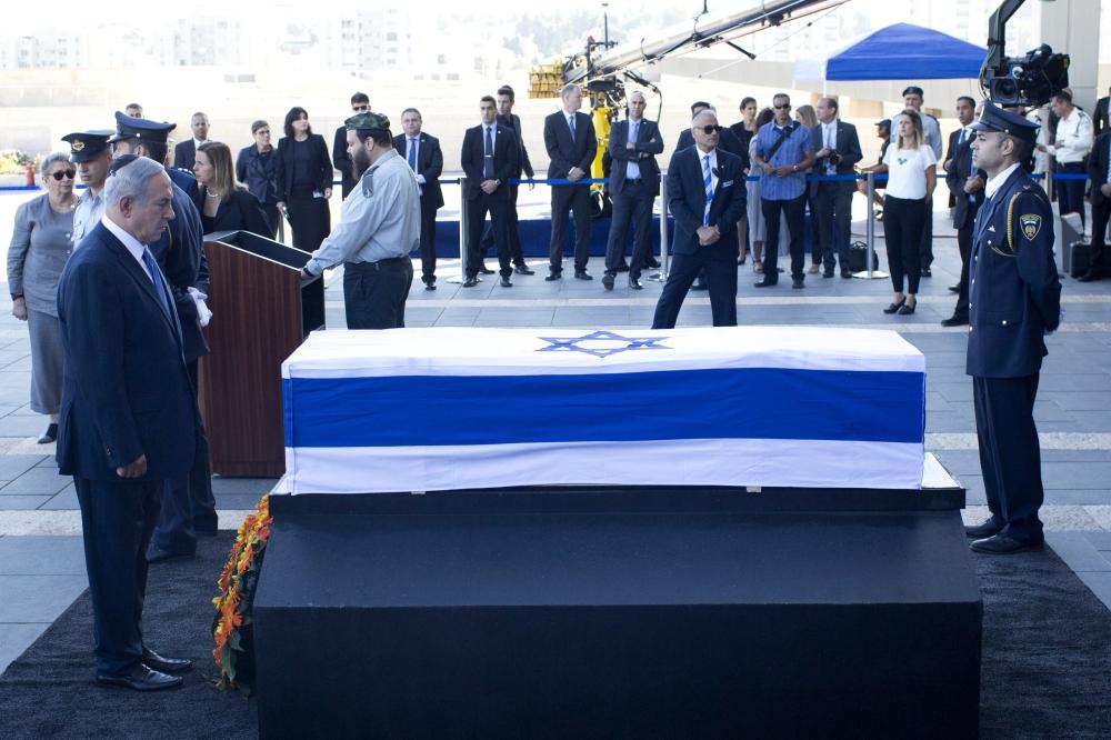 بنيامين نتنياهو خلال جنازة بيريز
