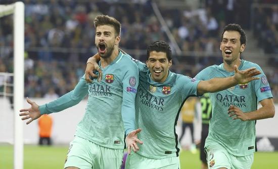 فرحة بيكيه بهدف برشلونة الثاني - reuters