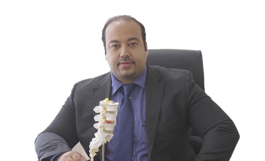استشاري العلاج الطبيعي هاني مهدي حسن - تصوير محمد المخرق