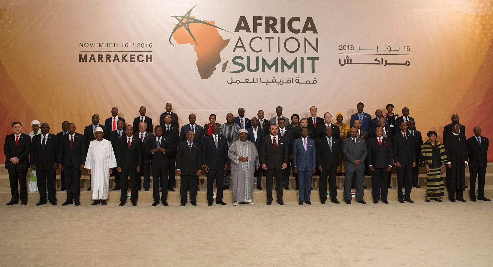 المشاركين من قادة الدول الإفريقية خلال على هامش مؤتمر تغير المناخ COP22