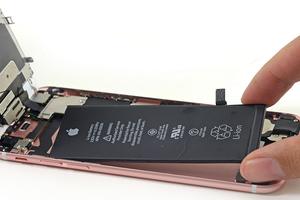 مشكلة بطارية 'iPhone 6S' أكثر انتشاراً مما كانت أبل تعتقد