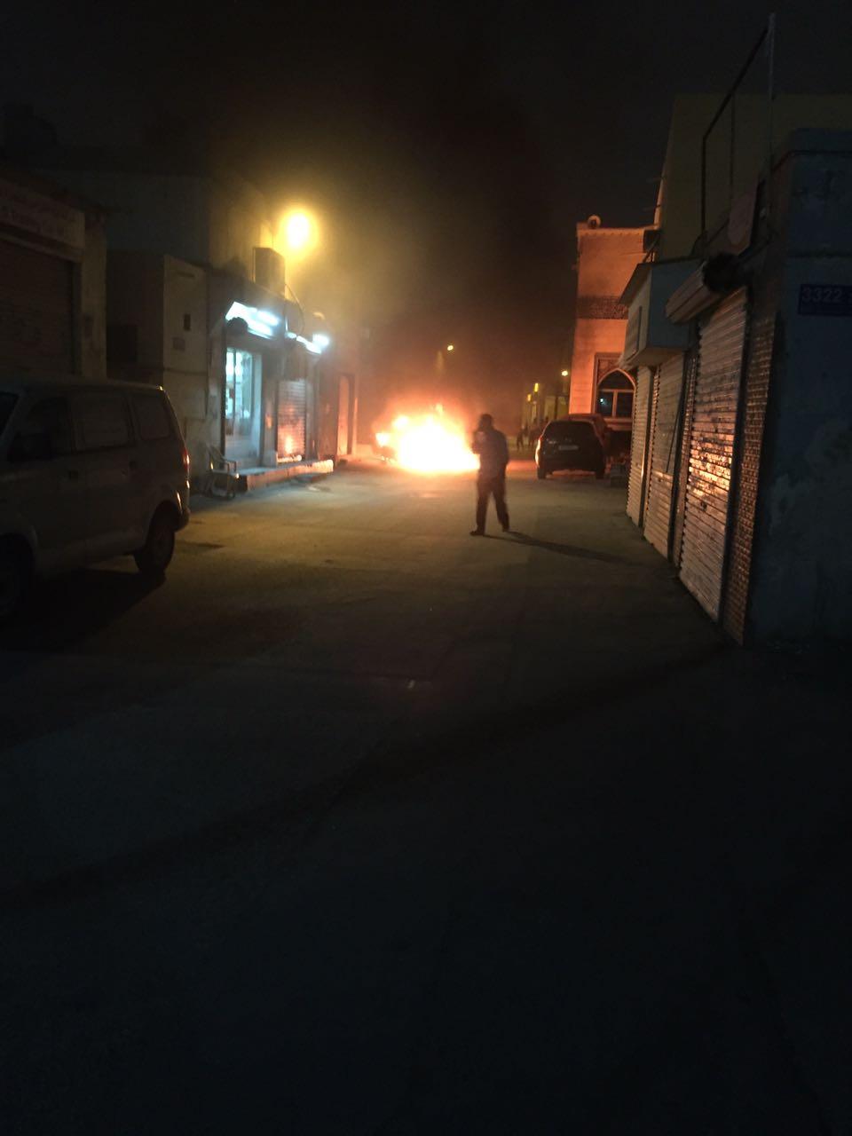 صورة تناقلت عبر وسائل التواصل الاجتماعي للحريق الذي تعرضت له سيارة النائب محمد ميلاد