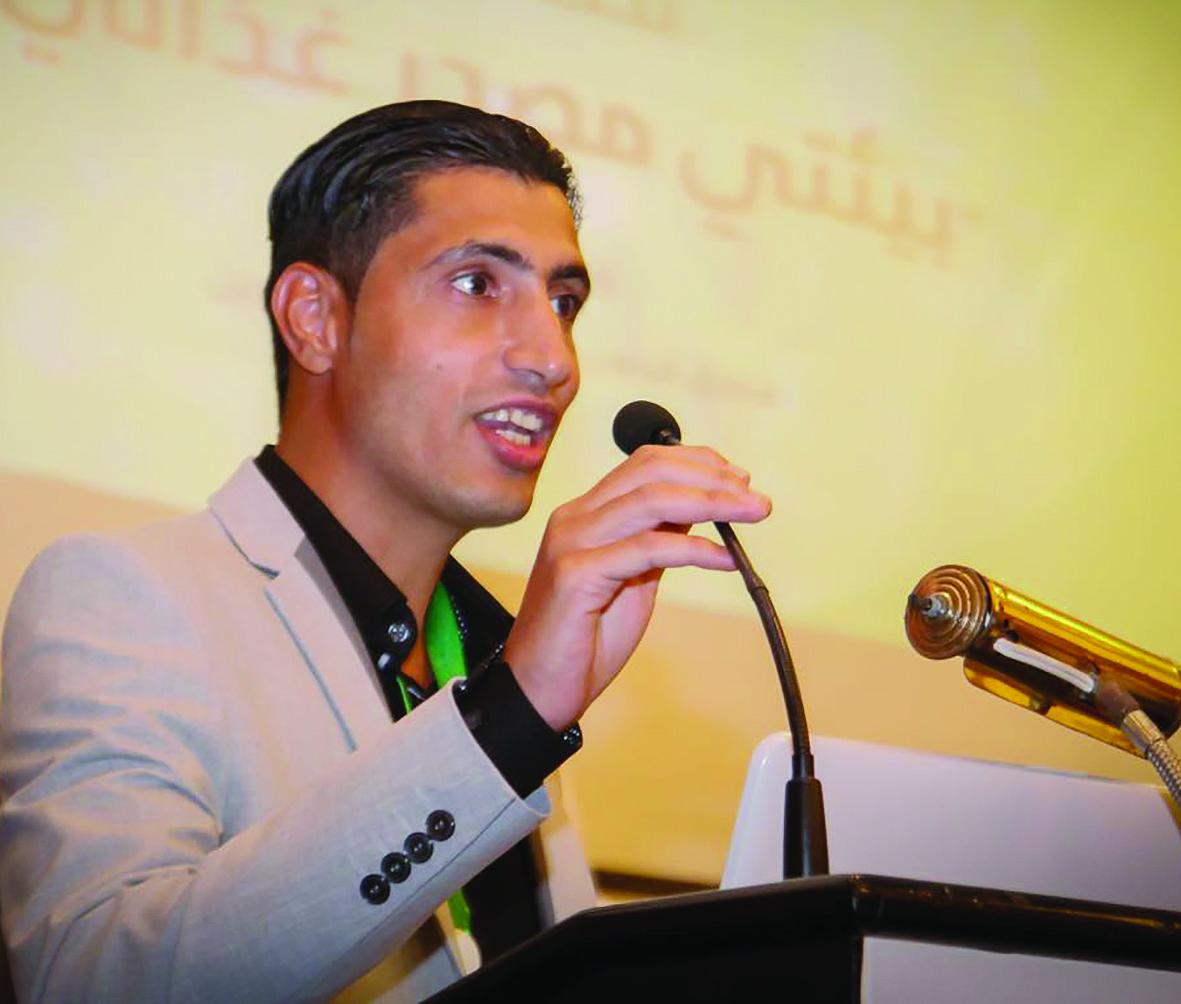 مدير فريق الأسطح الخضراء فاضل رضي