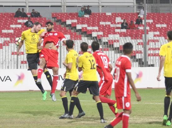 من مباراة الأهلي والرفاع الشرقي - تصوير محمد المخرق