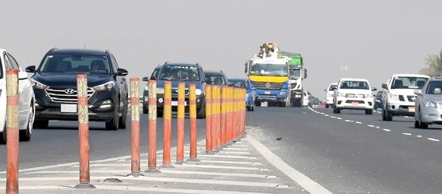 شارع الشيخ خليفة بن سلمان السريع الاستراتيجي ينتظر مشروعاً بتوسعته   - تصوير : محمد المخرق