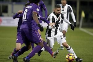 بالفيديو... فيورنتينا يسقط يوفنتوس بثنائية ويشعل المنافسة على صدارة الدوري الإيطالي