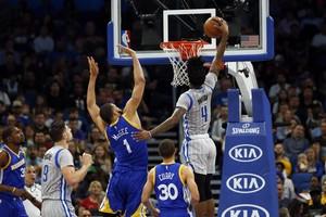 بالفيديو... غولدن ستيت يواصل عرض عضلاته في الـ'NBA'