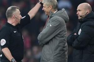 اتحاد الكرة الإنجليزي يدين فينجر بسبب واقعة مباراة بيرنلي