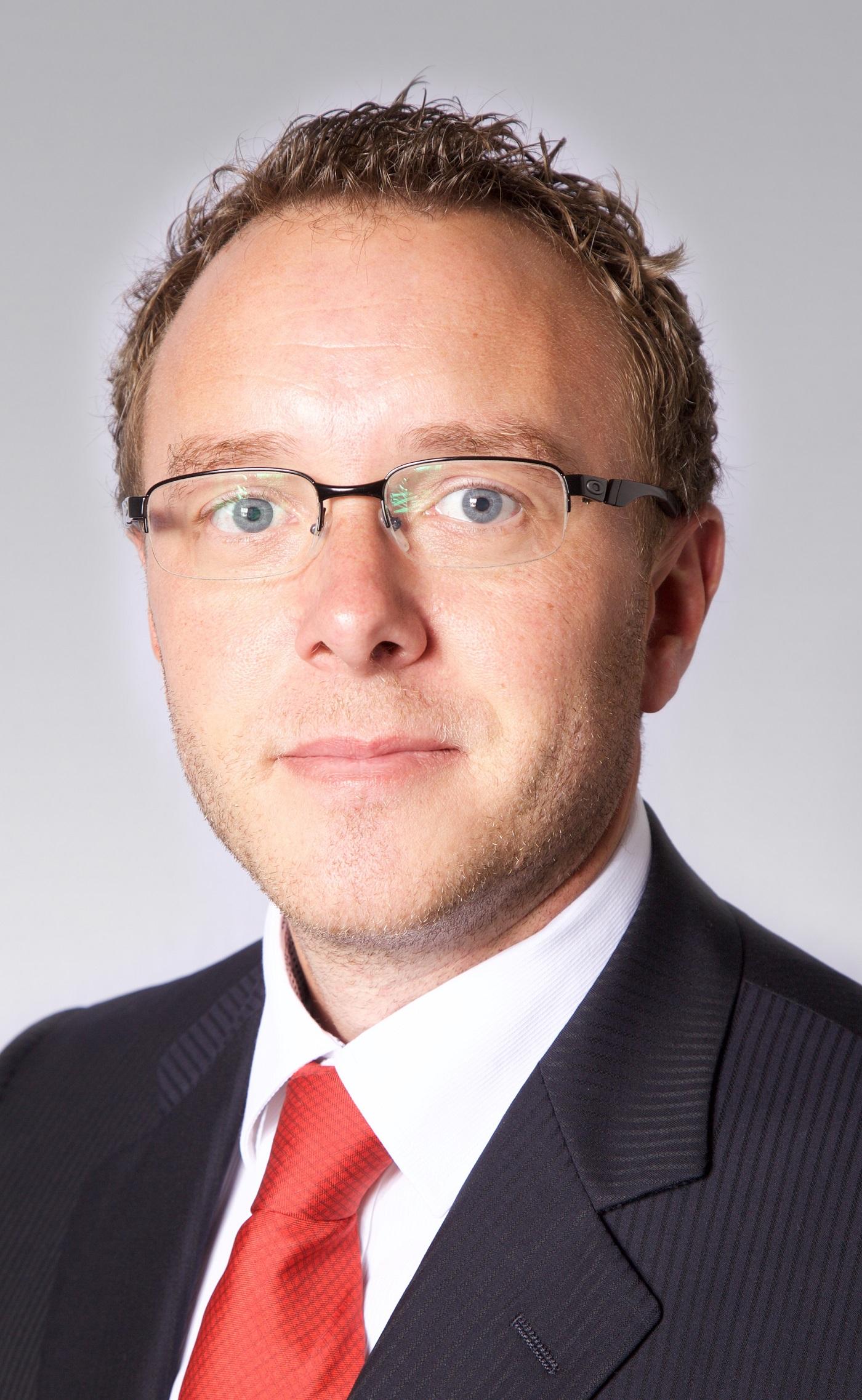 مدير شركة CBRE البحرين جيمس لين