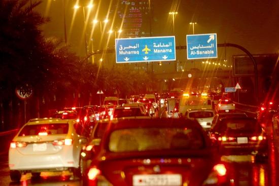 الازدحامات على شارع الشيخ خليفة