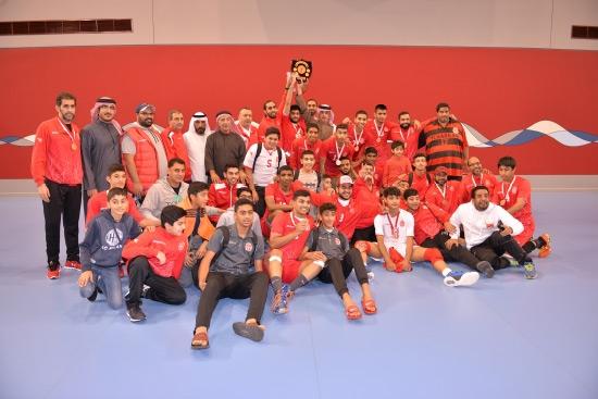 فريق المحرق بطل دوري الناشئين للكرة الطائرة «2016-2017» - تصوير أحمد آل حيدر