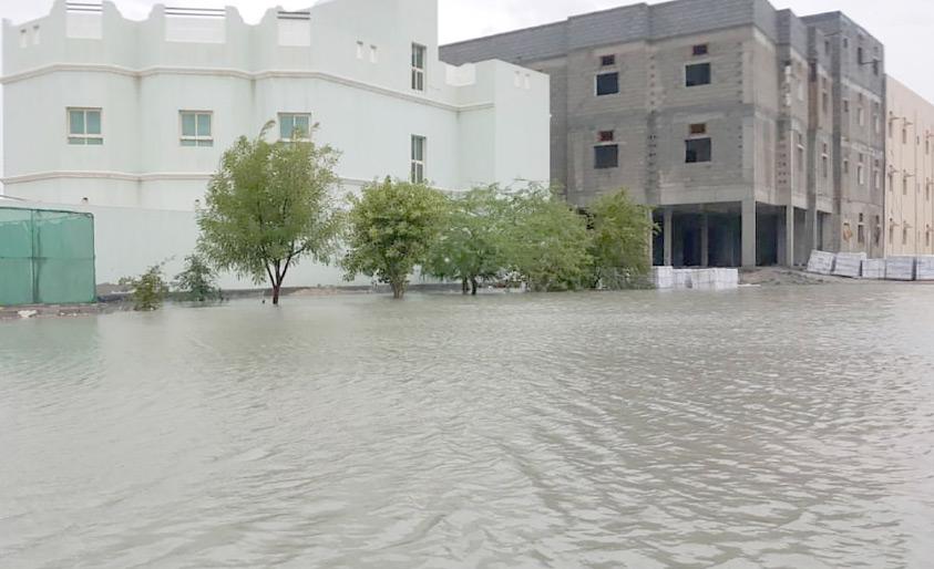 الأمطار كشفت سوء البنية التحتية في العكر