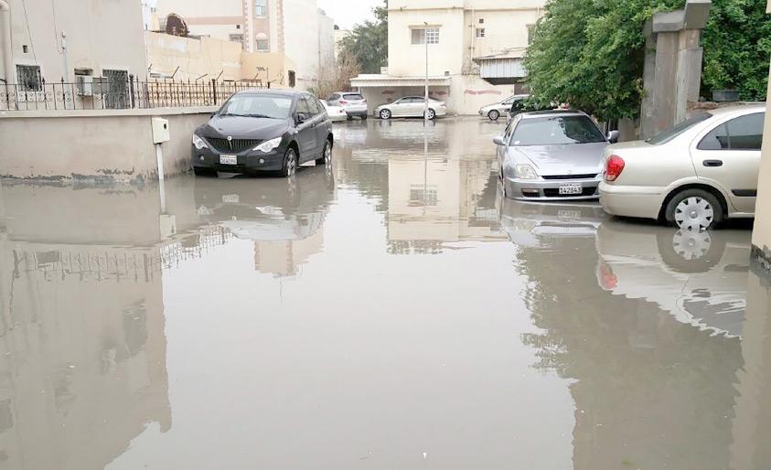 المنطقة التاسعة بمدينة عيسى تستغيث بعد تضررها بفعل مياه الأمطار