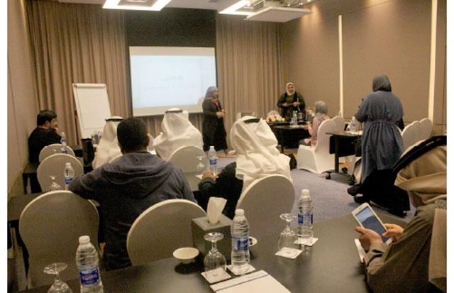 المشاركون في الملتقى الخليجي للطاقة والنفط - تصوير : أحمد آل حيدر